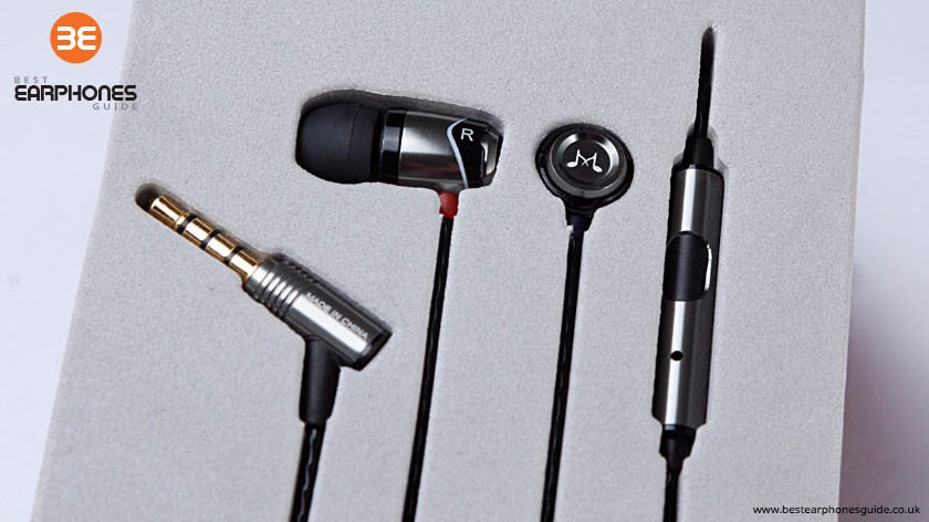 SoundMAGIC E10S in the box