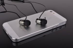 SoundMAGIC E10S with phone