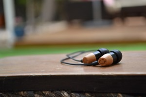 Acorn E1 Earphones - outside